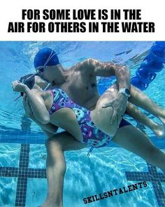 😅😍 There are always couples in the swim team. 😅😍 There are always couples in the swim team. Swimming Funny, I Love Swimming, Swimming Tips, Swimming Diving, Swimming Practice, Swimming Photos, Underwater Swimming, Sea Diving, Cave Diving