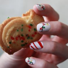 Easily create these Christmas nails! Candy stripes and lights!