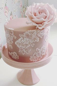 wedding cake designers small pink cake with rose We gathered together perfect wedding cake designers in order you can find the best cake for your reception. Get inspired with these amazing wedding cakes! Gorgeous Cakes, Pretty Cakes, Cute Cakes, Beautiful Cake Designs, Cool Cake Designs, Amazing Wedding Cakes, Amazing Cakes, Amazing Weddings, Brush Embroidery Cake