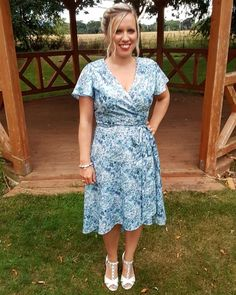 Interrupting my wedding series with my latest make for a friend's wedding I attended yesterday. @sewoveritlondon #evedress in a #libertylawn ❤ There's a quick blog post to go with it too!#linkinprofile #sewingblog #sewingblogger #weddingguestdress #soievedress #sewoverit #soishowoff #handmadedress #imakemyclothes Sew Over It, Sewing Blogs, Handmade Dresses, Dress Sewing, Friend Wedding, Vintage Sewing Patterns, Refashion, Eve, Wrap Dress