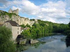 """Angles-sur-l'Anglin, un des plus beaux villages de France Retrouvez ce billet en intégralité sur le blog """"Lili au pays des merveilles"""""""