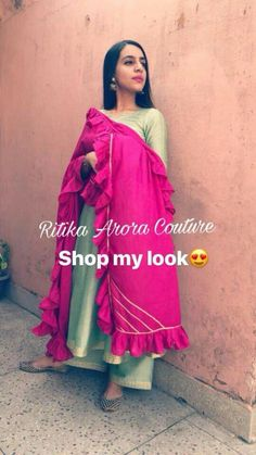 Best Trendy Outfits Part 6 Punjabi Suits Designer Boutique, Indian Designer Suits, Boutique Suits, Kurta Designs Women, Blouse Designs, Dress Designs, Indian Attire, Indian Wear, Pakistani Outfits