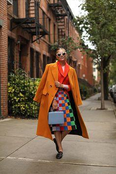 Fall styles 184577284712869149 - tory sport skirt Source by hannahanela Chic Fall Fashion, Autumn Winter Fashion, Fashion Trends, Fashion Bloggers, Orange Blazer Outfits, Jessica Parker, Sports Skirts, Estilo Blogger, Vogue