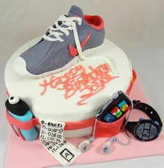 Marathon Runner's Cake - Waist belt with water bottle, pace band, ipod, energy gel, and runner's watch with running shoe on top. Red Velvet cake with Cream Cheese Frosting Mini Tortillas, Running Cake, Gym Cake, 18th Birthday Cake, Happy Birthday, Sport Cakes, Cake Shapes, Crazy Cakes, Cake With Cream Cheese