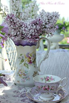 Aiken House & Gardens: Soft and Pretty Tea Time with mix-matched china. I have similar and I can create floral arrangements also. Patti M Vintage Dishes, Vintage Tea, Dresser La Table, Lavender Cottage, China Tea Sets, Deco Floral, Teapots And Cups, My Cup Of Tea, Purple Lilac