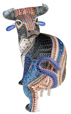 Oaxacan wood carvings, known in Spanish as monos de madera or alebrijes de Oaxaca have been around for a little more than 60 years. Ceramic Painting, Stone Painting, Mexican Designs, Surrealism Photography, Wooden Animals, Colorful Animals, Unusual Art, Popular Art, Mexican Folk Art