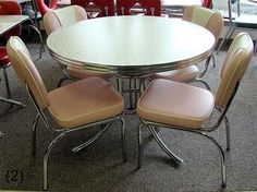 COOL Retro Dinettes | 1950's Style | Canadian Made Chrome Sets Retro Table And Chairs, Retro Kitchen Tables, Retro Dining Rooms, Diner Table, Retro Dining Chairs, Vintage Kitchen, Retro Kitchens, Kitchen Stuff, Dining Tables