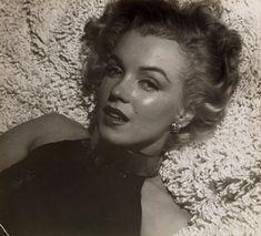 ★ Marilyn Monroe by Anthony Beauchamp, ♡ Old Hollywood ★ Dorothy Lamour, Brigitte Bardot, Classic Hollywood, Old Hollywood, Hollywood Stars, Hollywood Glamour, Arte Marilyn Monroe, Stars D'hollywood, Marion Davies
