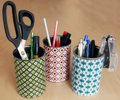 Thrifty #DIY pencil holders, just a tin can and some nice paper or fabric! #office #organize