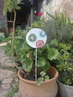 Tutor para el jardín de mi madre. Mosaiquismo.