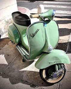 I'm super happy becuz I looked up the age requirement to drive a Vespa in Spain and it's 14 which is good becuz we'll be getting there in August, and we prob won't be able to afford it until my bday next May. Piaggio Vespa, Lambretta Scooter, Vespa Scooters, Vespa Girl, Scooter Girl, Vintage Vespa, Cool Bicycles, Cool Bikes, Triumph Motorcycles