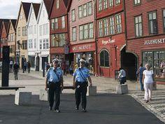 Policiais na cidade de Bergen, na Noruega