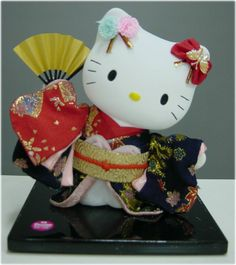 Hello Kitty in kimono doll ---------- #japan #japanese #hellokitty