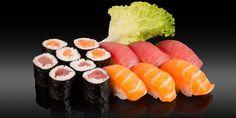 AKITA - 14 pièces - 6x nigiri: saumon, thon 8x maki: saumon, thon Akita, Bento, Sushi, Ethnic Recipes, Tuna, Sushi Rolls