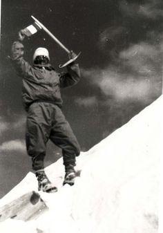 Maurice Herzog au sommet de l'Annapurna (1950, avec Louis Lachenal)