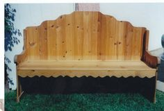 This solid pine bench/ settle was custom made in Woodenville WA. It is an original design and hand crafted in the 1980's. The settle is 6' long and 40 at the high point of the back. The piece is in...