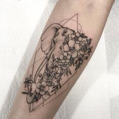 Hand Tattoos, Cute Tattoos, Body Art Tattoos, Small Tattoos, Sleeve Tattoos, Spine Tattoos, Pretty Tattoos, Tatoo Elephant, Elephant Tattoo Design