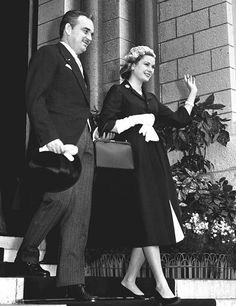 Boda Civil Philippe Junot, Monaco As, Old Hollywood Glam, Hollywood Stars, Charlotte, Hollywood Pictures, Princess Grace Kelly, Prince Rainier, Two Daughters