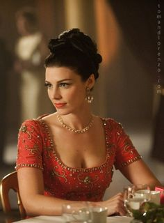 Megan (played by Jessica Paré) from Mad Men Don Draper, Betty Draper, Mad Men Fashion, Vintage Fashion, Mad Men Mode, Jessica Paré, Men Tv, Red Ball Gowns, Look Boho