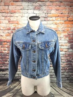 64be5804eec Levi s vintage womens large white tab trucker denim jean jacket 37466-0214  USA  Levis