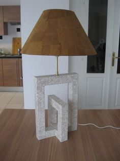 A FAIRE Lampe design en carton avec le dessus de recup (T) pour DECORER