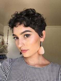 Pixie Cut Curly Hair, Short Curly Pixie, Curly Pixie Hairstyles, Haircuts For Curly Hair, Short Pixie Haircuts, Curly Hair Styles, Short Curls, Shaved Curly Hair, Wavy Pixie Haircut