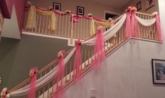 Very elegant and beautiful staircase decoration