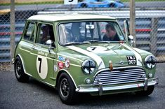 「classic mini willow green」の画像検索結果