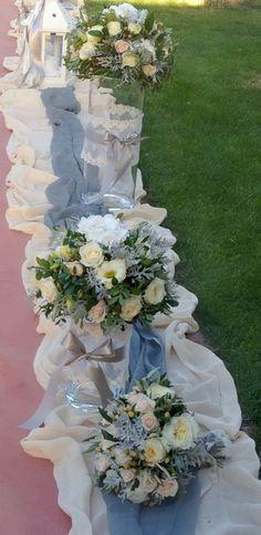 εξωτερικός #στολισμος γαμου retro vitage Church Wedding Decorations, Greek Wedding, Rome, Wedding Planning, Floral Wreath, Presentation, Gardening, Wreaths, Party