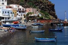 The Aeolian Islands are an archipelago of volcanic origin, located in the Tyrrhenian Sea off the north coast of Sicily. Please check here on a cruise with our offers Volcan Stromboli, Mafia, Island Cruises, North Coast, Beautiful Places To Visit, Archipelago, Paris France, Travel, Unesco