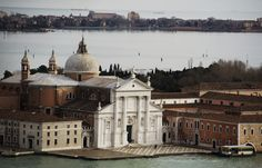 San Giorgio Maggiore is home to the Cini Foundation Arts Center and Teatro Verde, an open-air theater.