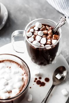 If you're in need of something new, say a homemade dark hot chocolate recipe using both dark chocolate and cocoa powder, give this a try. Homemade Hot Chocolate, Chocolate Bomb, Hot Chocolate Recipes, How To Make Chocolate, Hot Cocoa Recipe, Cocoa Recipes, Bakery, Smoothie, Treats