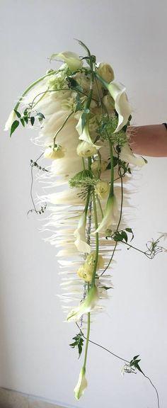 Gregor Lersch Floral Design. For the modern, high style bride. tch