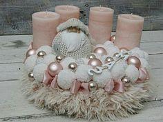 Christmas - Home Page Christmas Advent Wreath, Christmas Candles, Pink Christmas, Christmas Home, Vintage Christmas, Christmas Crafts, Advent Wreaths, Candle Centerpieces, Christmas Centerpieces