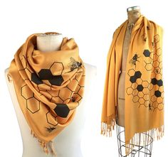 Lovely Bee  Scarf