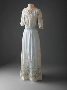 Lingerie dress, 1910-13 From the Hillwood Museum