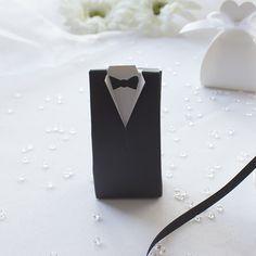 """Mandelbox """"Bräutigam"""" als Gastgeschenk für die Hochzeit: https://www.meine-hochzeitsdeko.de/mandelbox-braeutigam-mit-hochzeitsmandeln"""