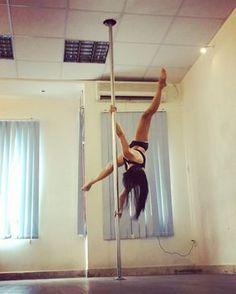 """Jolly pose to tear #poledancing #poledance #poledancer #polefitness #polefit #polesport #workout #fitness #fit…"""""""
