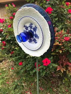 Enjoy Life With Your Own Flower Garden - Beautiful, Easy! Glass Garden Flowers, Glass Plate Flowers, Glass Garden Art, Flower Plates, Ceramic Flowers, Glass Art, Small Bottles, Flower Art, Art Flowers