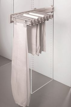 The Ambos Side Trouser and Skirt Rack pulls out for easy access and holds 16 items or 8kg in weight. Side mounted on left or right side and ideal for narrow spaces.  Totally extractable and maximises space usage.
