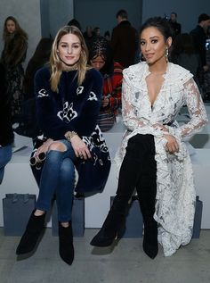 Olivia Palermo and Shay Mitchell attend Zimmermann fashion show on February 2017 New York Fashion Week on February 13 2017 in New York City Fashion Week, Fashion 2017, Winter Fashion, Fashion Show, Vanity Fair, Shay Mitchell Style, Olivia Palermo Style, New York, Stylish Couple