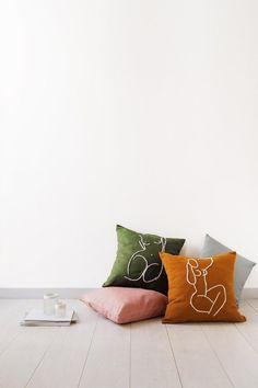 2. Iris & Magnolia  Coussin en coton brodé à la main - ETSY Matisse, Magnolia, Iris, Punch Needle, Home Interior, Decoration, Floor Chair, Etsy, Cushions