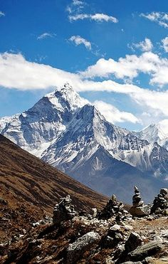 Everest, Himalaya on the border of Nepal and Tibet Monte Everest, Beautiful World, Beautiful Places, Landscape Photography, Nature Photography, Everest Base Camp Trek, Destination Voyage, Photos Voyages, The Great Outdoors