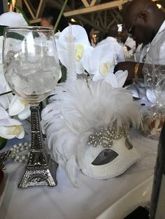All White Party, Centerpieces, Table Decorations, Le Diner, Love Is All, Holidays And Events, Party Time, Tea Party, Table Settings