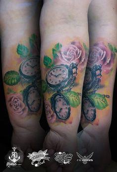 tetovanihradec.jalbum.net  realistic roses and clock tattoo rose time colour flower tetování růže hodinky realistické