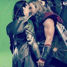 Joss Whedon Thor Chris Hemsworth Loki Tom Hiddleston