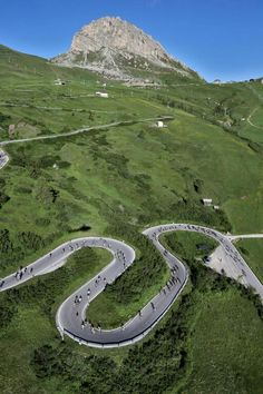 Passo Pordoi during @mdolomites #theperfecthairpin #cycling #dolomitescycling