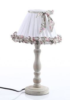 Shabby Chic Lamps, Shabby Chic Flowers, Shabby Chic Cottage, Rustic Lamp Shades, Creative Lamps, Shaby Chic, Handmade Lamps, Cool Lamps, Shabby Vintage