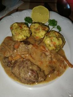 Vadas marhaszelet zsemlegombóccal Hungarian Cuisine, Hungarian Recipes, Meat Recipes, Cooking Recipes, Tasty, Yummy Food, Spanish Food, Food 52, Entrees