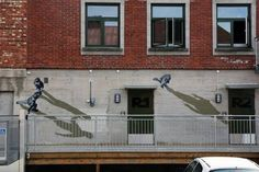 Street art που αψηφά τη βαρύτητα στα φωτορεαλιστικά στένσιλ του Νορβηγού Anders Gjennestad. © Strøk